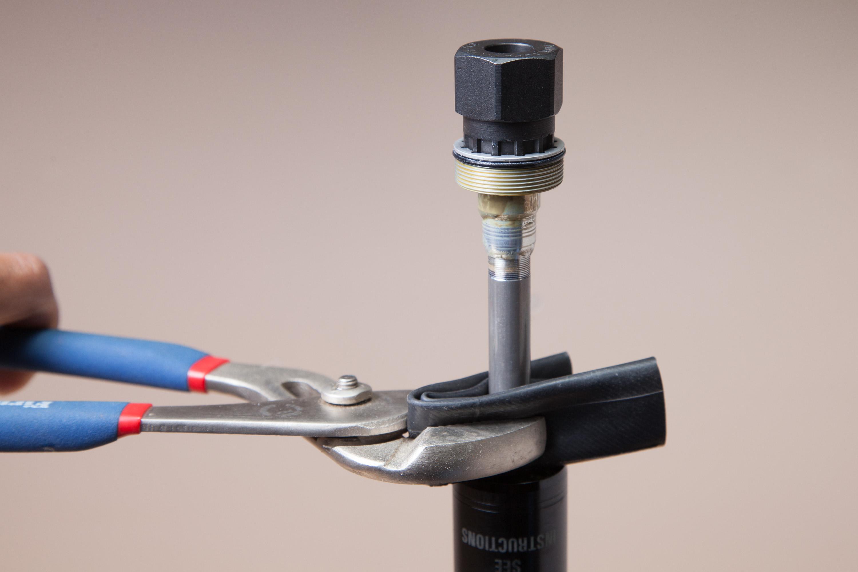 Brake Tool for 9Point8 Fall Line Fallline Dropper Post